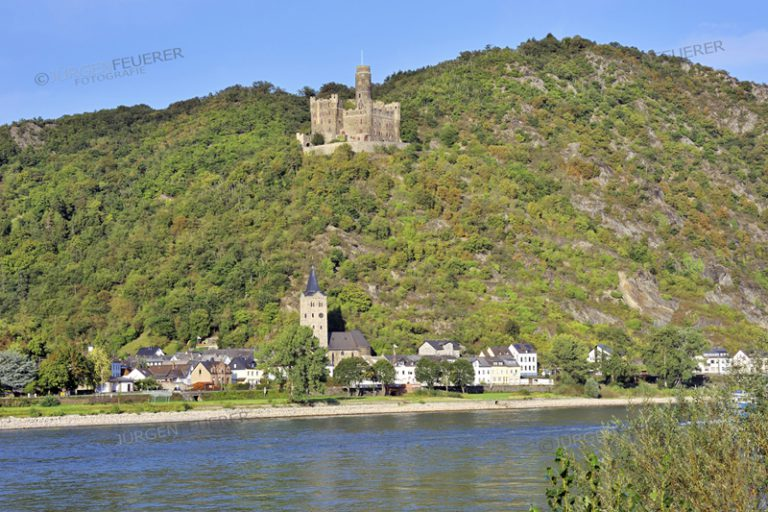 Maus castle above the village of Wellmich, near town Sankt Goarshausen, Upper Middle Rhine Valley, Germany